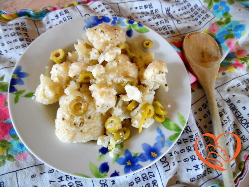 Cavolfiore con formaggio e olive