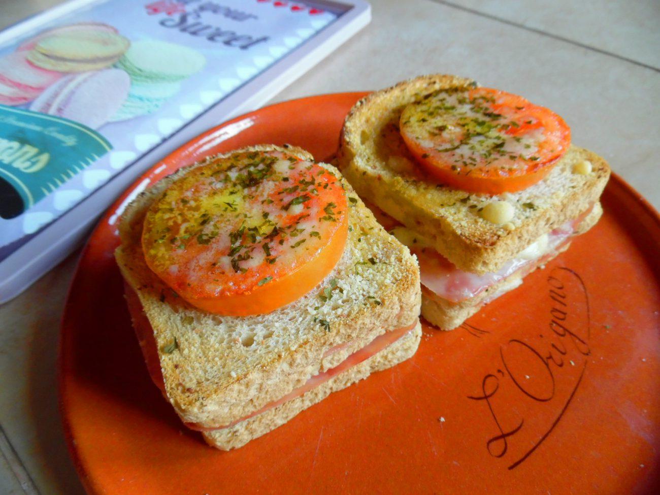 Lasagne di pancarre' con prosciutto, formaggio e pomodori